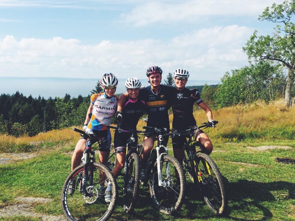 Cykellycka med kära vänner på Omberg